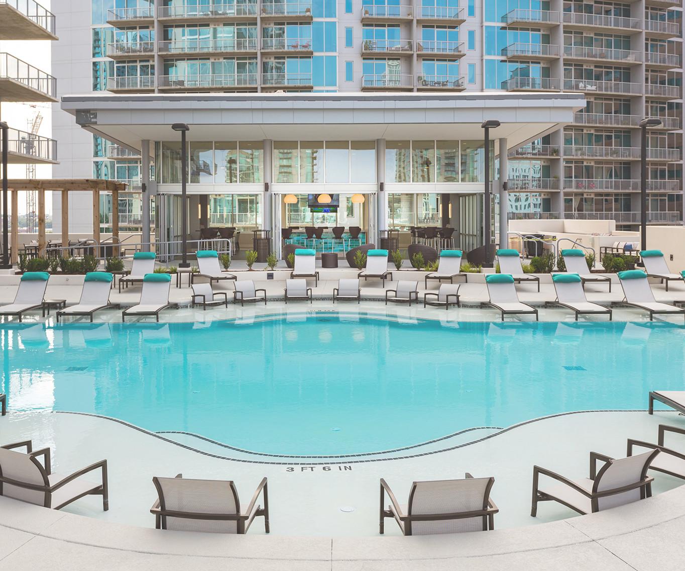 Community Pool | Nine15 Midtown